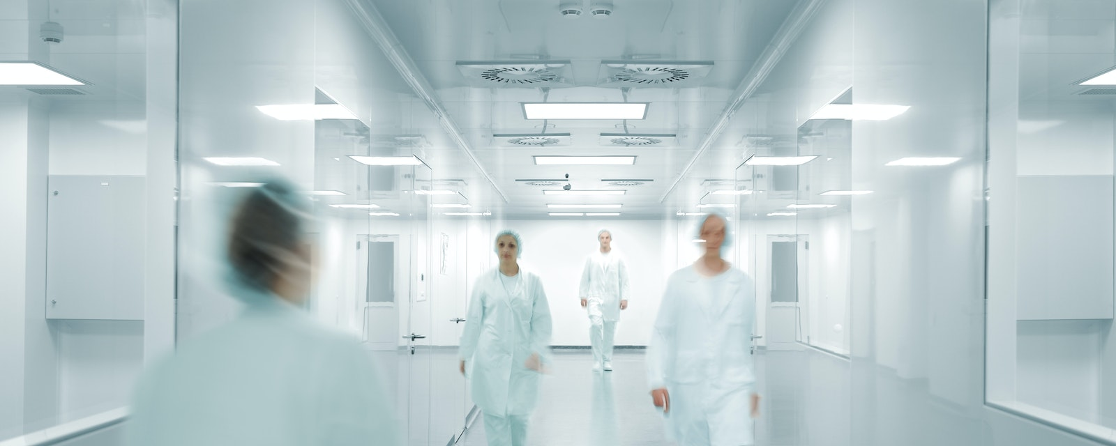 Scientists,And,Doctors,At,Modern,Pharmaceutical,Factory