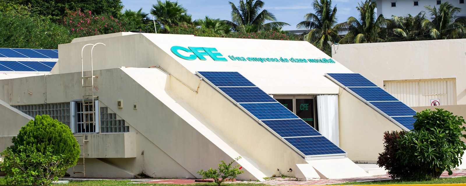 Cancun,,Mexico,-,12,January,2015:,Cfe,-,Federal,Electricity