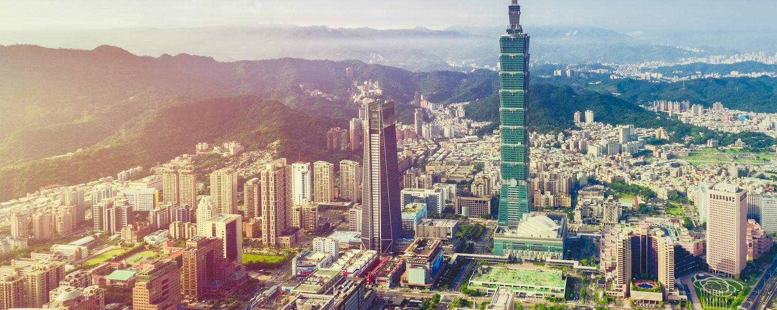 Sunrise,Of,Taipei,City,At,Dawn,With,Taipei,101,And