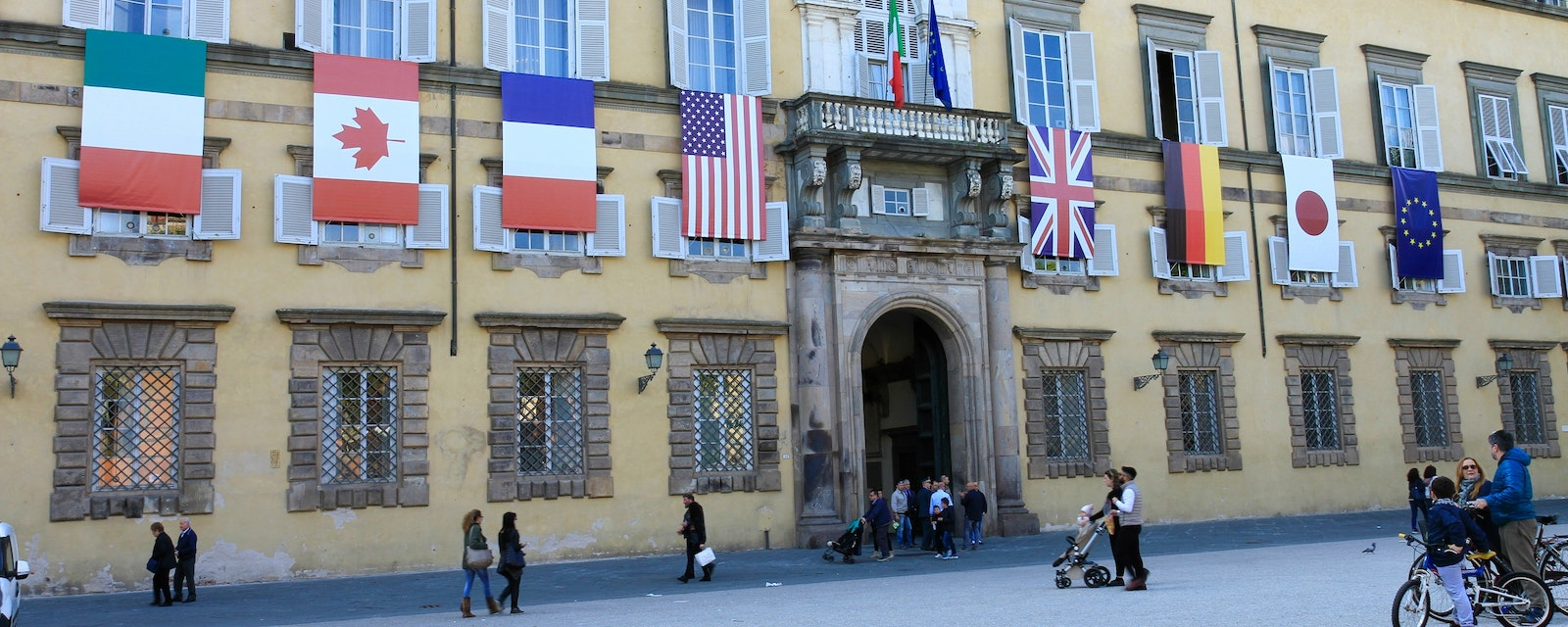 Lucca,,Italy,-,April,09,,2017:,The,Facade,Of,The