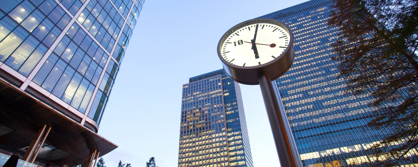 Clock,In,Canary,Wharf,In,London's,Financial,District,Office,Building,