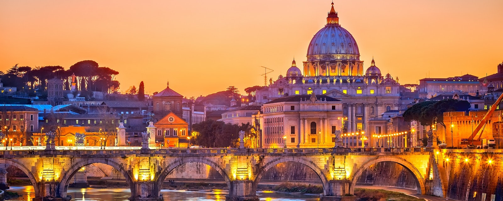 Night,View,At,St.,Peter's,Cathedral,In,Rome,,Italy