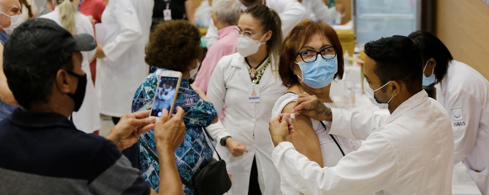 Sao,Paulo,,Sp,,Brazil,-,February,9,,2021:,A,Nurse